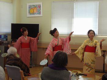H23.3.11日本舞踊①.JPG