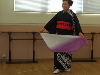 H23.3.11日本舞踊②.JPG