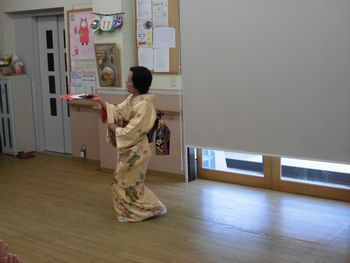 H26.3.11日本舞踊2.JPG