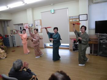 H26.3.11日本舞踊3.JPG