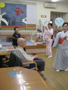 H26.9.29日本舞踊2.JPG