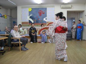 H26.9.29日本舞踊3.JPG